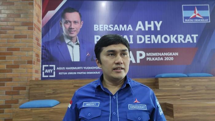 Kepala Bakomstra PD Herzaky Mahendra Putra, di DPP Demokrat, Menteng, Jakarta Pusat, Rabu (10/3/2021).