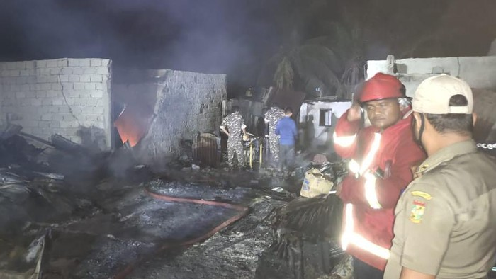 Kebakaran besar terjadi di Pasar Tradisional Tapung Hilir Kampar, Riau malam tadi. (Dok Polres Kampar).