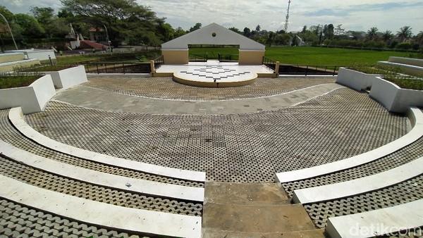 Memang, taman ini bari saja direvitalisasi oleh Kementerian PUPR pada Agustus 2020. (Dadang Hermansyah/detikcom)