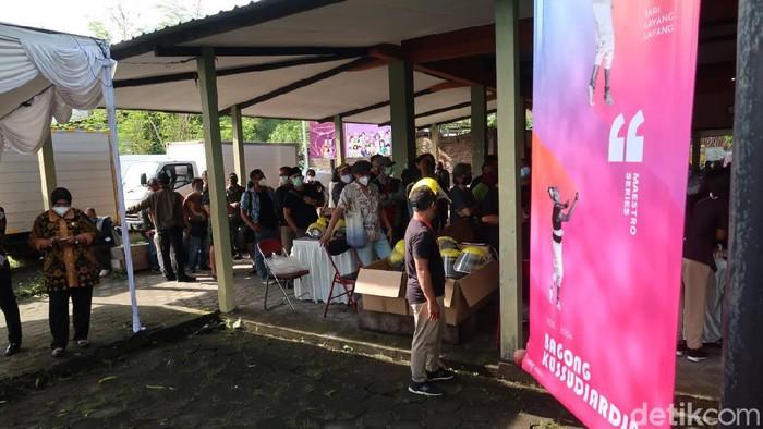 Suasana jelang vaksinasi Corona untuk seniman di Bantul, 10/3/2021