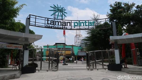 Taman Pintar Yogyakarta menyediakan layanan bus gratis untuk wisatawan yang hendak datang ke sana. Semua itu untuk menggeliatkan lagi minat masyarakat berwisata ke destinasi itu. (Pradito Rida Pertana/detikTravel)