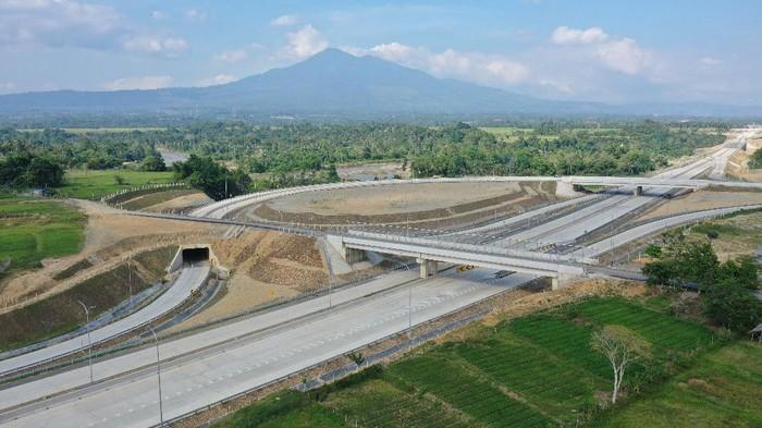 PT Hutama Karya (Persero) mengoperasikan secara fungsional Tol Sigli-Banda Aceh Seksi 3 (Jantho–Indrapuri) 16 km Rabu (10/3), Intip Yuk penampakannya.