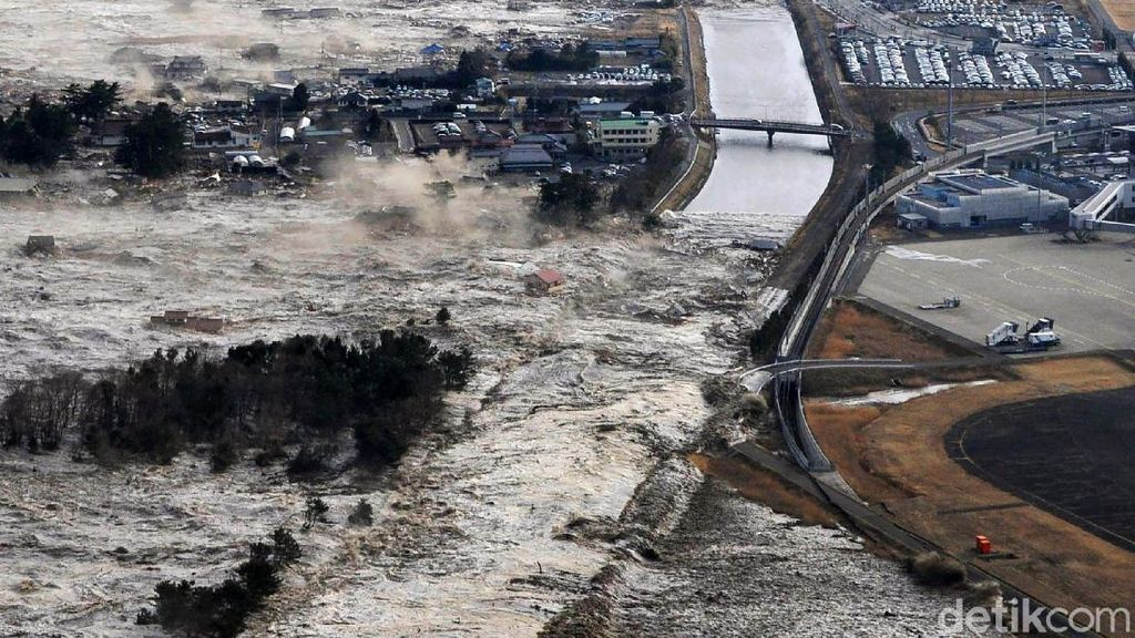 Melihat Lagi Bencana Tsunami Jepang 10 Tahun Lalu