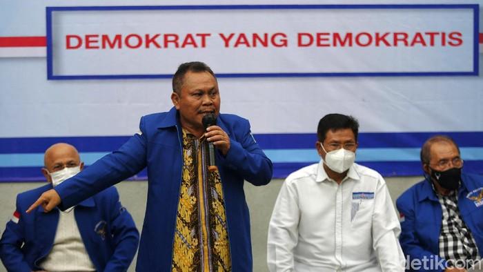 Kubu KLB Demokrat Deli Serdang, Sumut, menggelar konferensi pers di Menteng, Jakarta Pusat, Kamis (11/3/2021). Mereka menyuarakan adanya sejumlah pelanggaran perihal Anggaran Dasar dan Anggaran Rumah Tangga (AD/ART) versi tahun 2020. Jumpa pers dihadiri Soflawati Mosaid, Darmizal, Jhonny Allen, dan Ahmad Yahya.