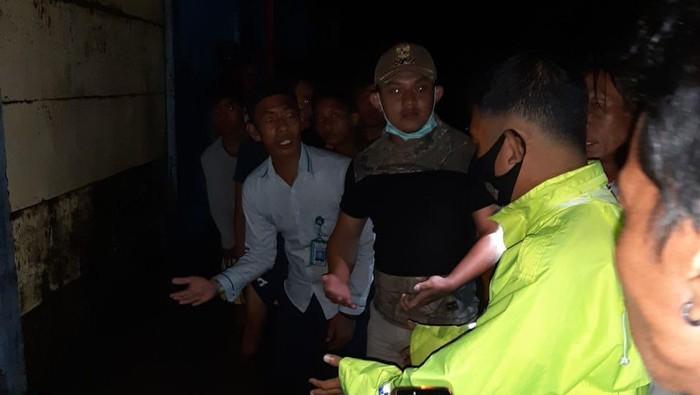 Seorang mahasiswi di Makassar meninggal dunia karena tersetrum listrik saat banjir (Dok. Polsek Temalate)