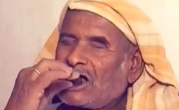 Bukan Nasi, Pria Ini Setiap Hari Makan Batu Selama 32 Tahun