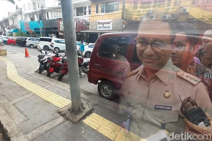 Ilustrasi masalah guiding block menabrak tiang di Jl Veteran I Jakpus. (Repro: Danu Damarjati/detikcom)