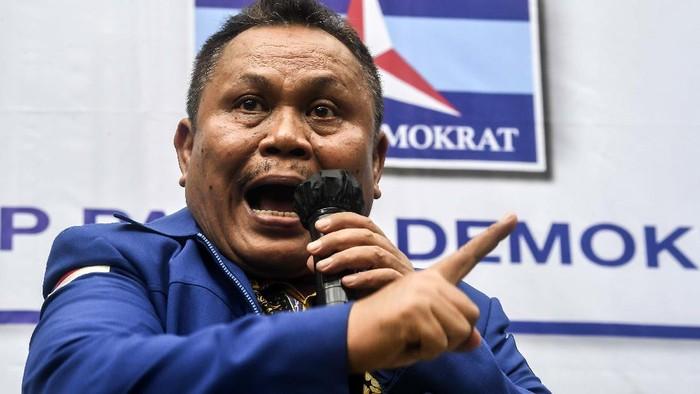 Sekjen Partai Demokrat versi KLB  Jhonny Allen memberikan keterangan pers terkait urgensi KLB Sibolangit di Jakarta, Kamis (11/3/2021). Dalam keterangannya Jhonny mengatakan pengurus versi KLB akan melaporkan AHY ke kepolisian atas dugaan pemalsuan mukadimah AD/ART partai. ANTARA FOTO/Muhammad Adimaja/aww.
