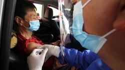 Pos Pelayanan Vaksinasi Drive Thru diresmikan di Cengkareng. Layanan ini dikhususkan bagi Lansia yang memiliki KTP DKI Jakarta.