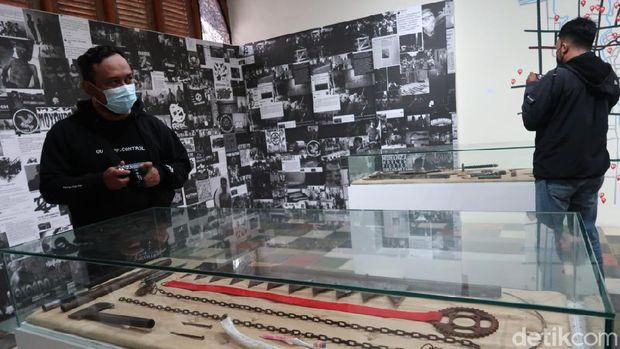 Pameran Seni The Museum of Lost Space