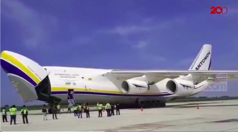 Pesawat Antonov 124-100