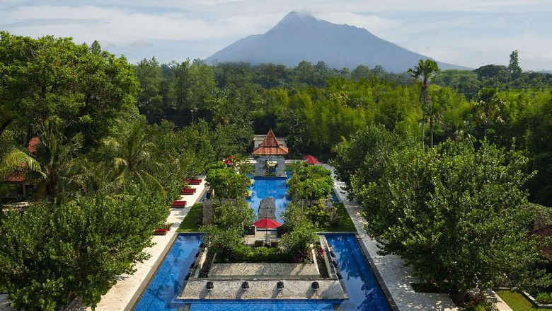 Pemandangan Gunung Merapi dari Sheraton Mustika Yogyakarta