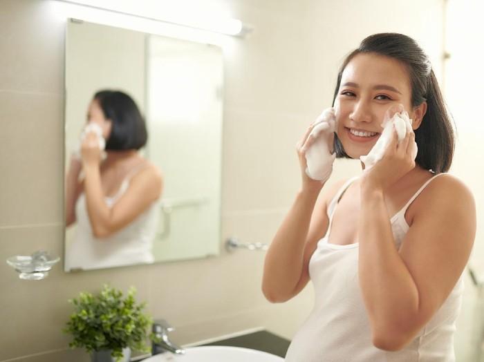 Ilustrasi skincare tidak aman untuk ibu hamil. Foto: Getty Images/iStockphoto/Makidotvn