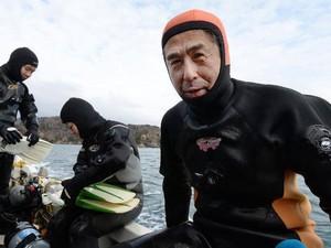 Kisah Haru Suami yang Masih Cari Istri 10 Tahun Setelah Tsunami