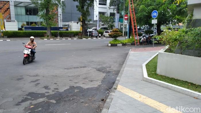 Guiding block di Jalan Cipto Mangunkusumo Solo, Sabtu (13/3/2021)
