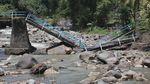 Jembatan di Nganjuk Rusak Imbas Arus Deras Banjir