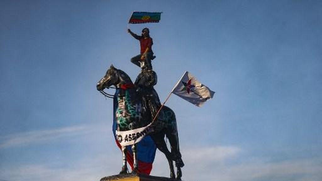 Sering Dirusak oleh Pengunjuk Rasa, Patung Jenderal di Chili Dipindah