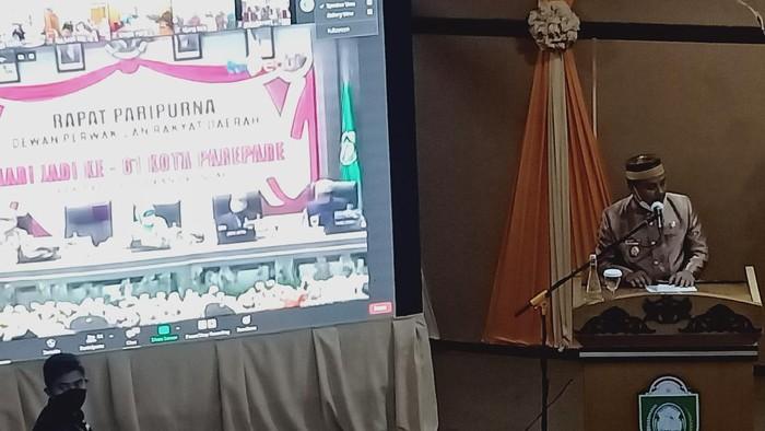 Plt Gubernur Sulsel saat memberi sambutan di Rapat Paripurna DPRD Parepare (Hasrul-detikcom)