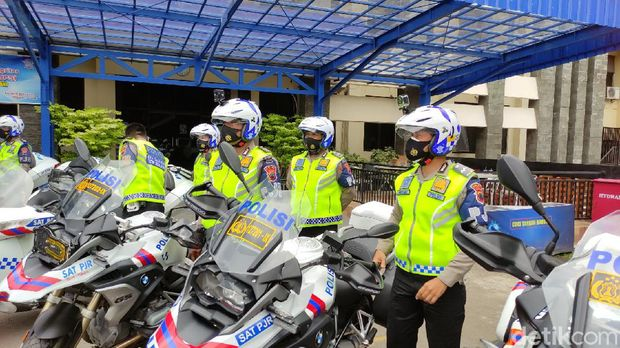 Polisi Melakukan Sosialisasi Tilang Elektronik di Jawa Tengah