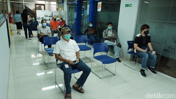 Ikatan Keluarga Alumni (IKA) Universitas Katholik Parahyangan (Unpar) menggelar kegiatan vaksinasi COVID-19 secara massal bagi lansia yang berasal dari Kota Bandung.