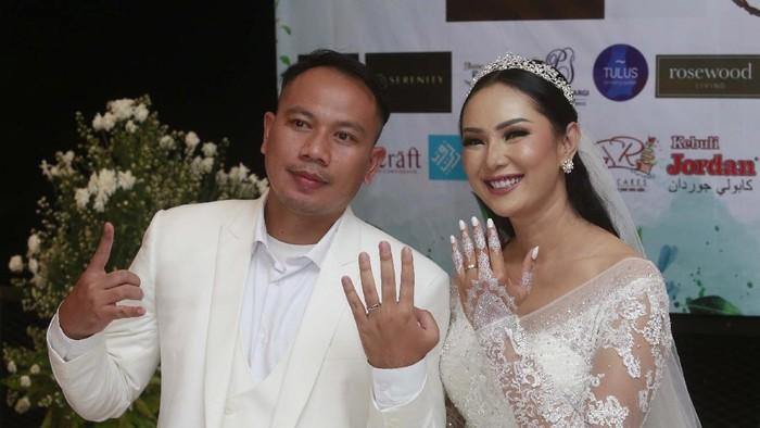 Vicky Prasetyo dan Kalina Oktarani