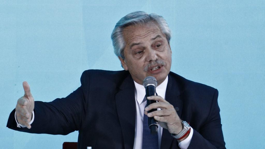Presiden Argentina Diserang Pendemo yang Marah soal Kebakaran Hutan