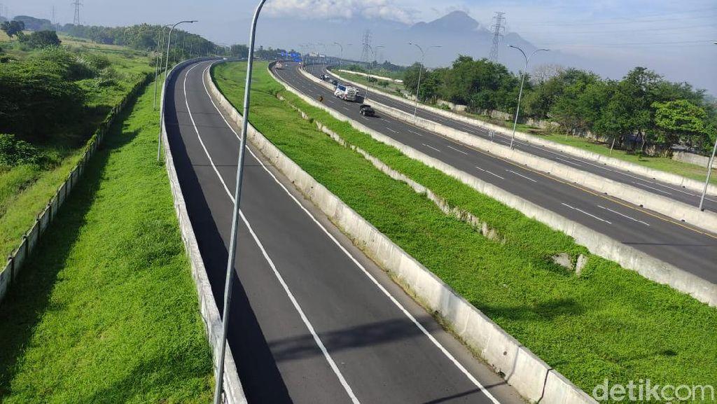 Jalan Tol Sidoarjo Tampak Sepi di Hari Raya Nyepi