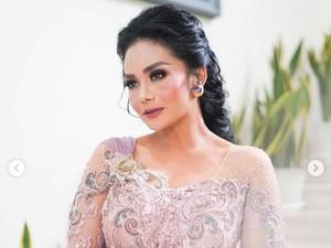 Anne Avantie Ungkap Kisah Haru di Balik Kebaya Kilat KD untuk Lamaran Aurel