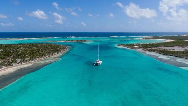 Bandara pribadi bisa dijangkau 10 menit dengan perahu dari Little Ragged Island. Kalau suka jalur laut, ada jalur yacht yang tersedia.(Concierge Auctions)