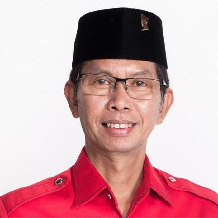 DPC PDIP Surabaya menyambut bahagia dan menyampaikan Selamat Hari Raya Nyepi 2021 bagi seluruh umat Hindu. Khususnya yang bermukim di Kota Pahlawan.