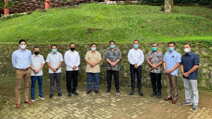 Pertemuan Ketum Golkar Airlangga Hartarto dan Ketum Gerindra Prabowo Subianto, Sabtu (13/3).
