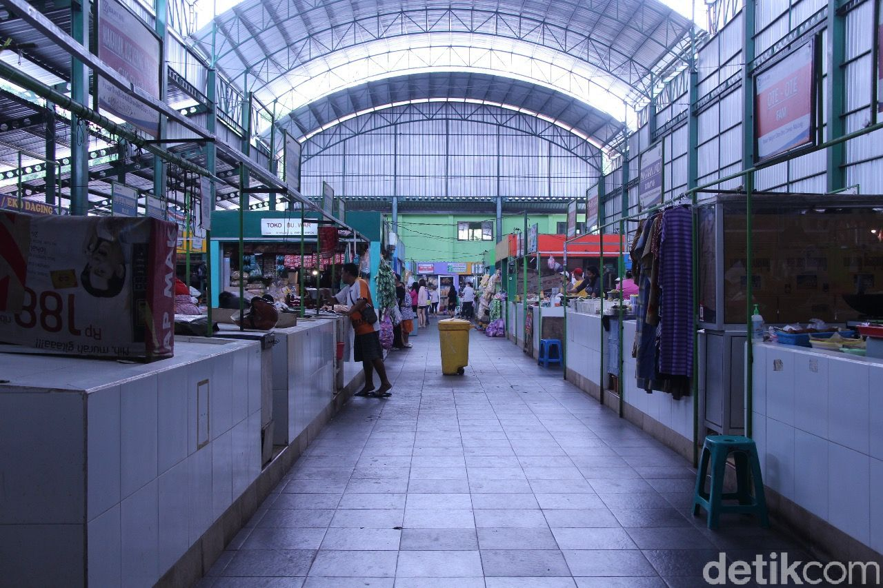 Belanja Asyik di Pasar Oro-Oro Dowo, Pasar Kolonial yang Jadi Pasar Modern