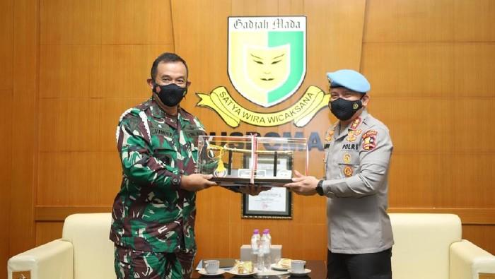 Kadiv Propam Polri Bertemu Danpuspom TNI (Foto: dok Polri)