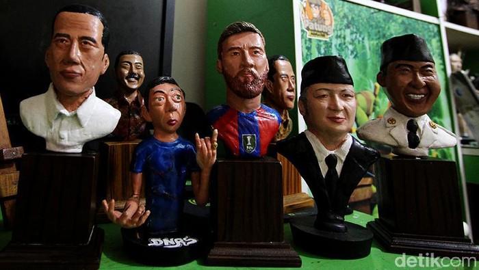 Seorang pekarja pabrik asal Boyolali, Jawa Tengah, punya hobi unik. Ia menghasilkan sebuah karya seni berupa miniatur patung dari berbagai tokoh bangsa hingga dunia.
