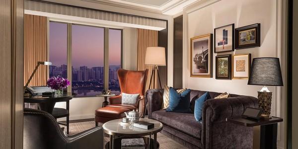 Ada 14 suites mewah yang didesain langsung oleh David Beckham. Beckham jadi seleb pertama yang mendesai kamar hotel di Makau.(Londoner Macao)