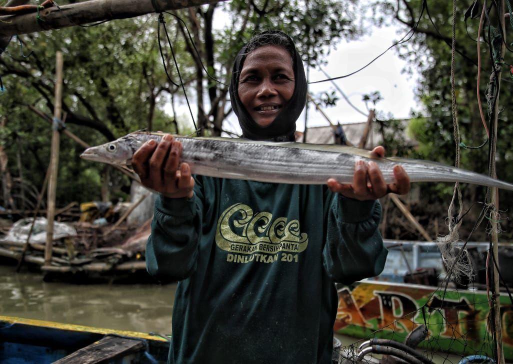 nelayan wanita