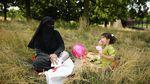 Begini Potret Perempuan Burka yang Tuai Polemik