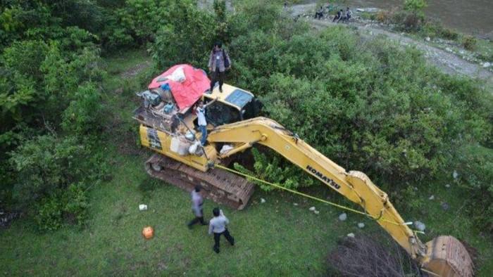 Polisi temukan alat berat untuk tambang emas ilegal di Jambi