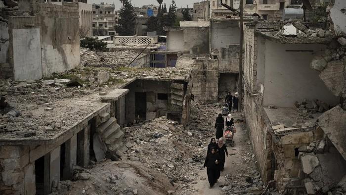 Perang Saudara Suriah adalah sebuah konflik bersenjata berbagai pihak dengan intervensi internasional yang berlangsung di Suriah.