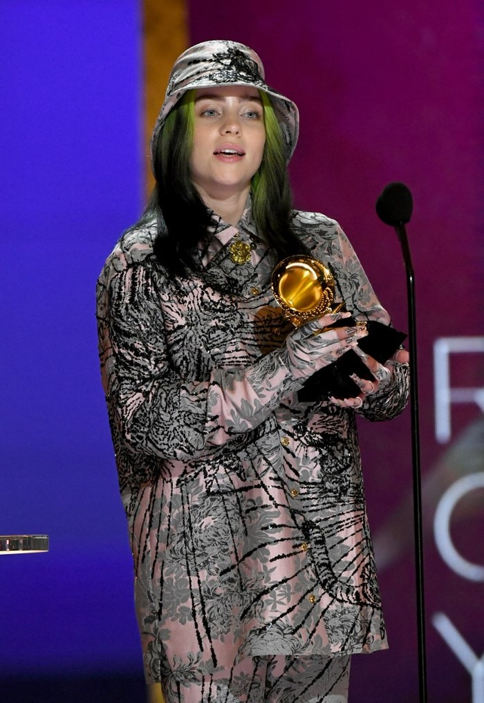 LOS ANGELES, CALIFORNIA - MARCH 14: Billie Eilish accepts the Record of the Year award for Everything I Wanted onstage during the 63rd Annual GRAMMY Awards at Los Angeles Convention Center on March 14, 2021 in Los Angeles, California.   Kevin Winter/Getty Images for The Recording Academy/AFP (Photo by KEVIN WINTER / GETTY IMAGES NORTH AMERICA / Getty Images via AFP)