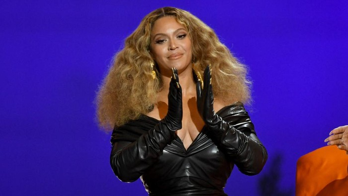LOS ANGELES, CALIFORNIA - MARCH 14: Beyonc accepts the Best Rap Song award for Savage onstage during the 63rd Annual GRAMMY Awards at Los Angeles Convention Center on March 14, 2021 in Los Angeles, California.   Kevin Winter/Getty Images for The Recording Academy/AFP (Photo by KEVIN WINTER / GETTY IMAGES NORTH AMERICA / Getty Images via AFP)