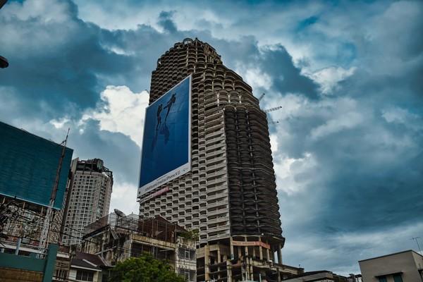 Sekarang tempat ini terbengkalai begitu saja dan sering dijadikan tempat uji nyali di Bangkok.