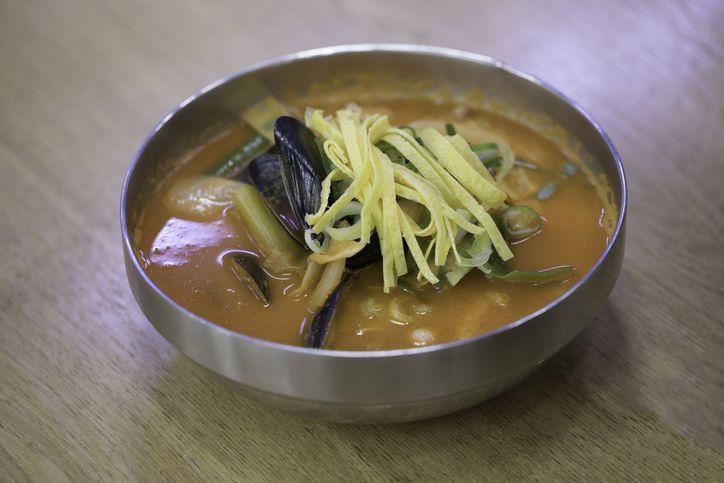 Fakta jjampong yang dimakan Song Joong Ki dalam drama Korea terbaru 'Vincenzo'