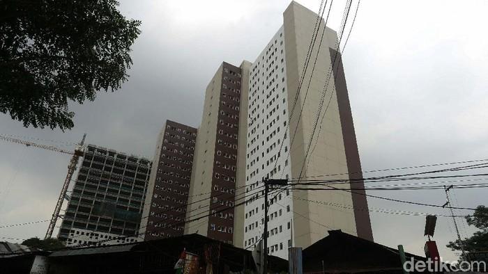 Pemprov DKI Jakarta mengubah batas penghasilan tertinggi masyarakat berpenghasilan rendah (MBR). Kini Orang berpenghasilan Rp 14 juta masuk kriteria pembeli rumah DP Rp 0.