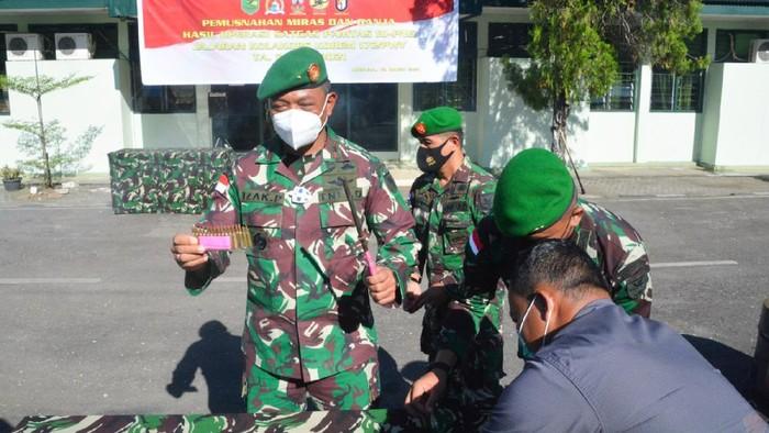 Komandan Korem 172/PWY Brigjen TNI Izak Pangemanan
