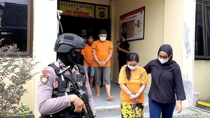 Pusutri tersangka penipuan denga dalih penggandaan uang di Kulonprogo