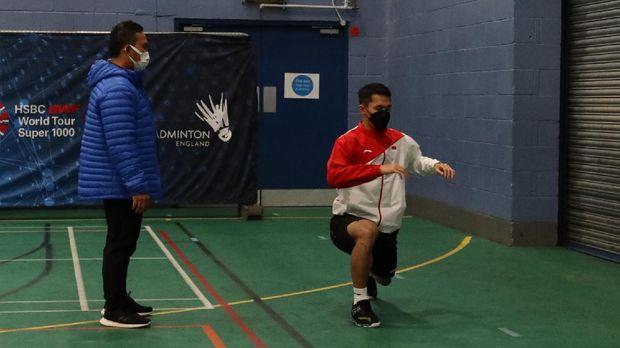 Latihan Jonatan Christie jelang All England 2021.