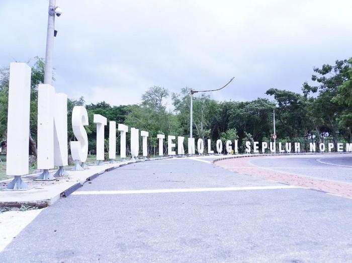 Kampus ITS Surabaya