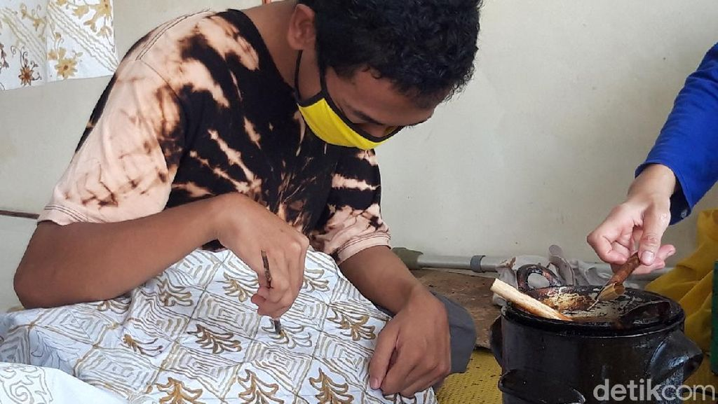 Difabel di Boyolali Bertahan di Masa Pandemi dengan Karya Batik
