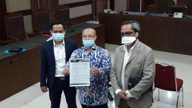Kuasa hukum Jhoni Allen, Slamet usai sidang gugatan terhadap AHY dkk di PN Jakpus.